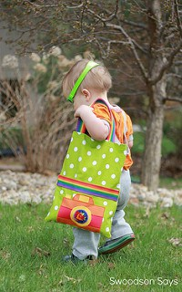 Toddler Tote Tutorial with Free Camera Applique Pattern