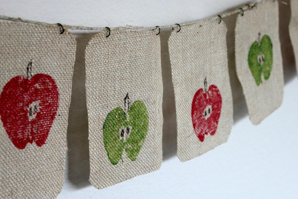 apple print garland