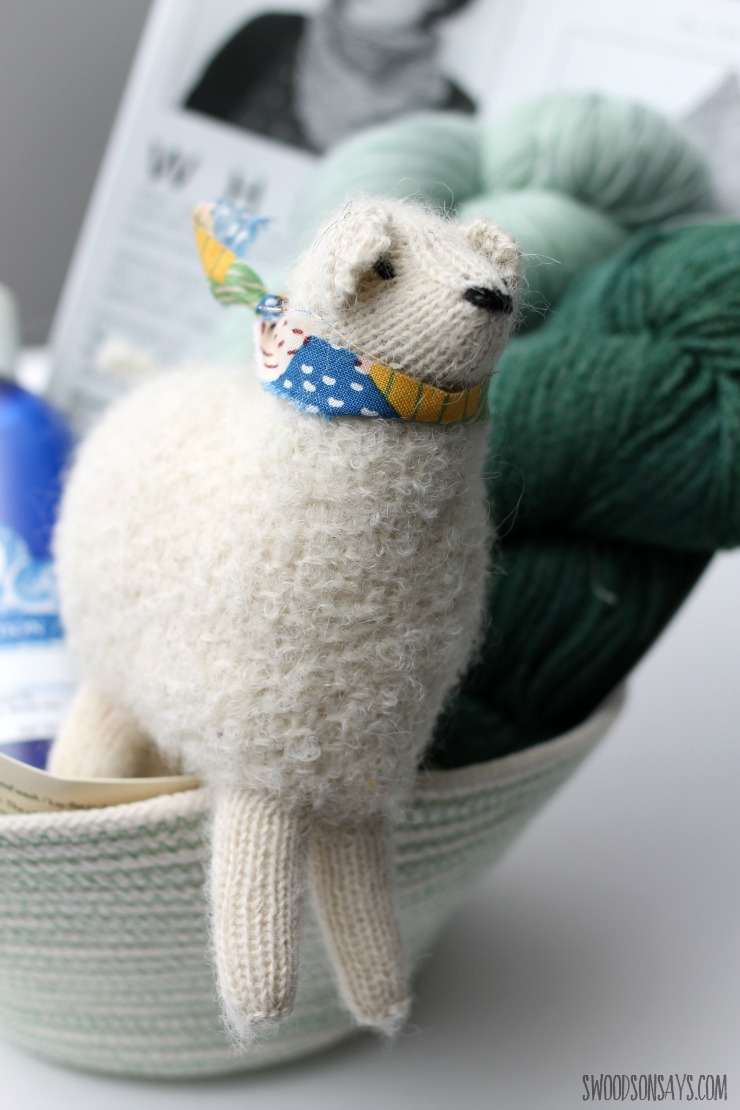 diy-gift-basket-for-someone-who-knits-3