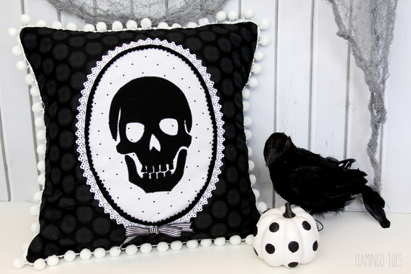 halloween skeleton pillow tutorial