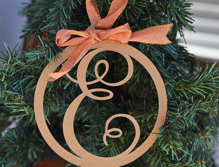 25+ Cricut Christmas ornaments to DIY - Swoodson Says