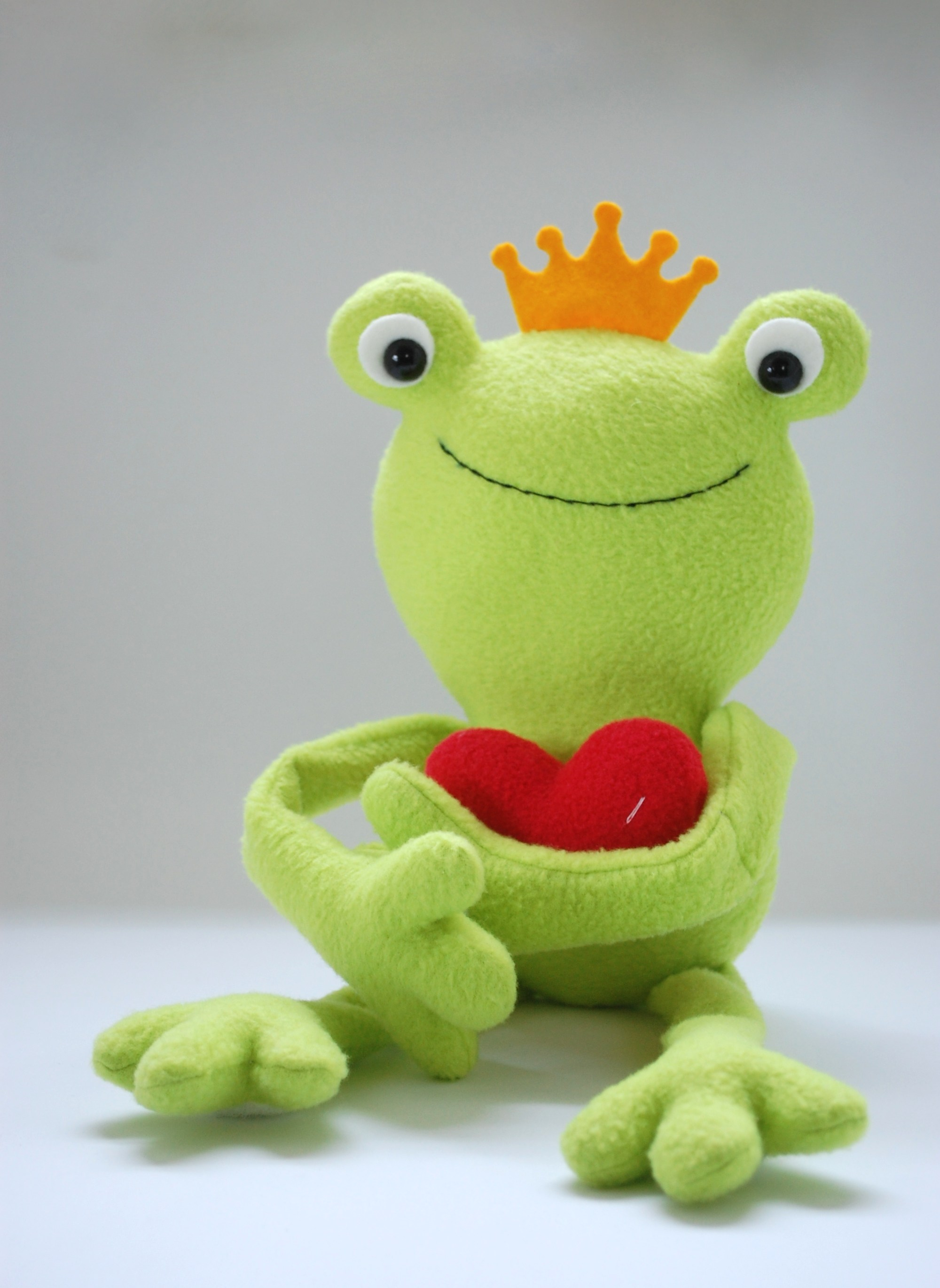 free frog sewing pattern