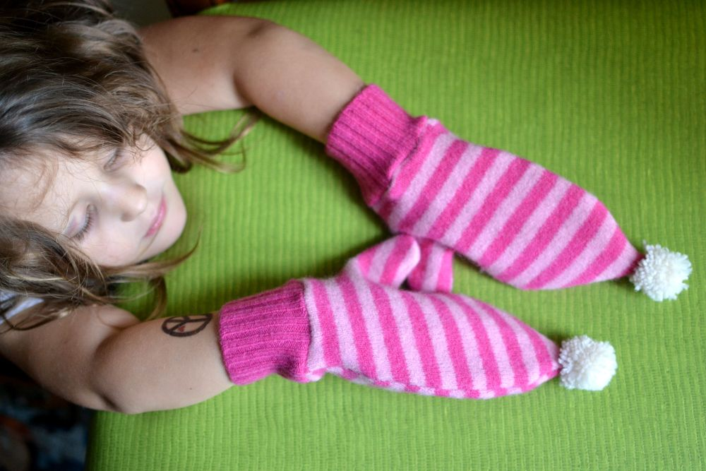 kids mittens upcycle sweater