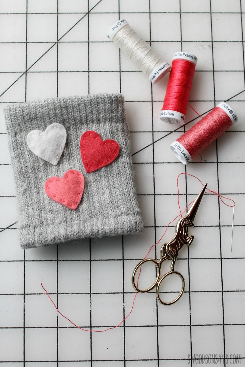 hand sewing felt