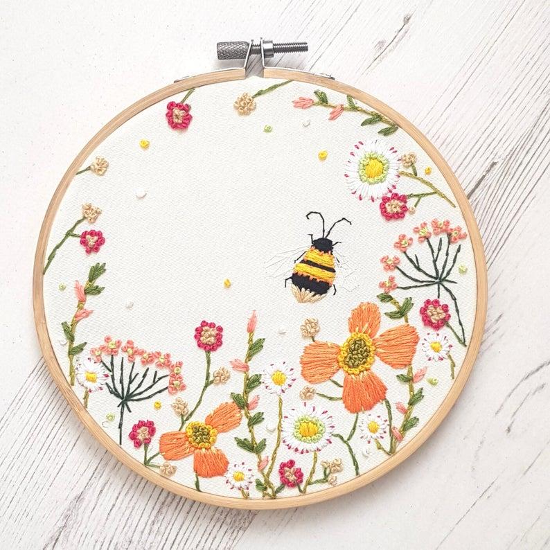 bee wildflower pattern