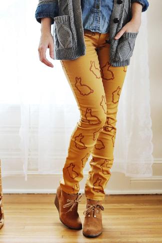 stenciled pants diy