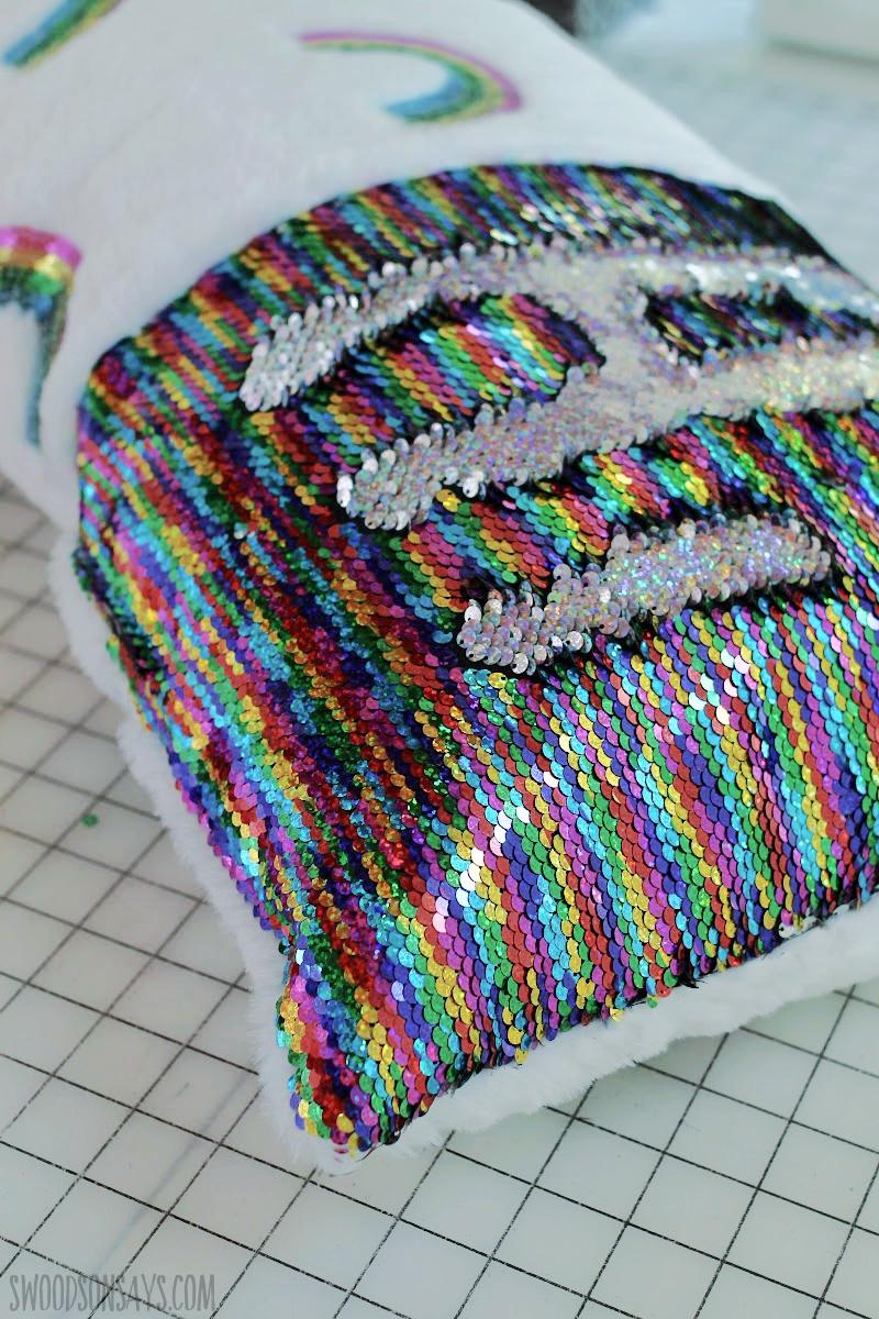 rainbow sequin flip fabric(1)